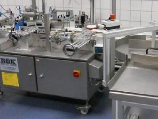 Etikettiermaschine für Fläschchen Gläser / labelling machine for vials-jars